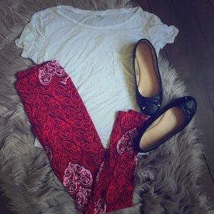 Red LulaRoe leggings